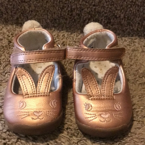 05980373da83 Carter s Other - Carters early Walker size 4.5 rose gold shoes